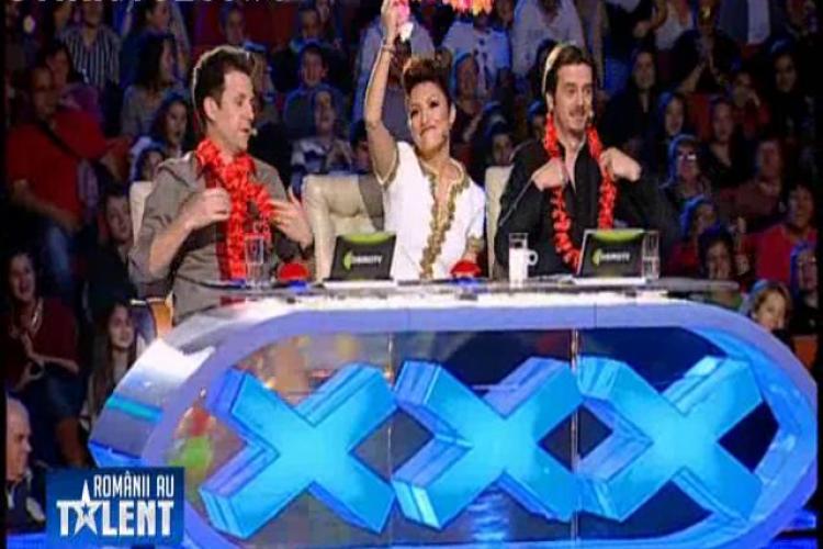 Un concurent a șocat juriul la Românii au talent. A rămas în chiloți pe masă, în fața Andrei VIDEO
