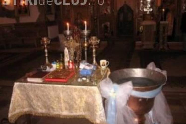 Tragedie fără margini pentru doi părinți din Cluj. Le-a murit fetița după botez și medicii nu știu de ce