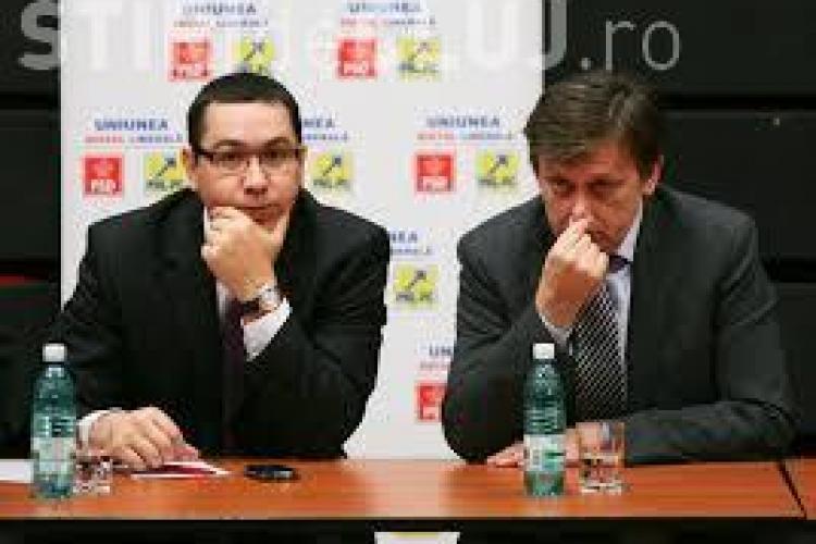 Crin Antonescu și-a dat demisia din funcția de președinte al Senatului. Ponta l-a aplaudat