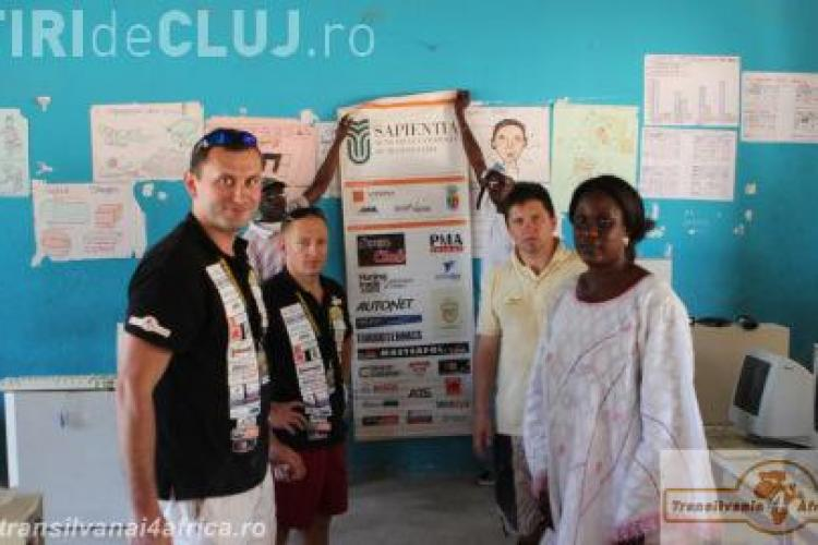 Mai mulți membri din galeria CFR au oferit ajutoare în Africa. Au dotat mai multe licee cu laptopuri FOTO