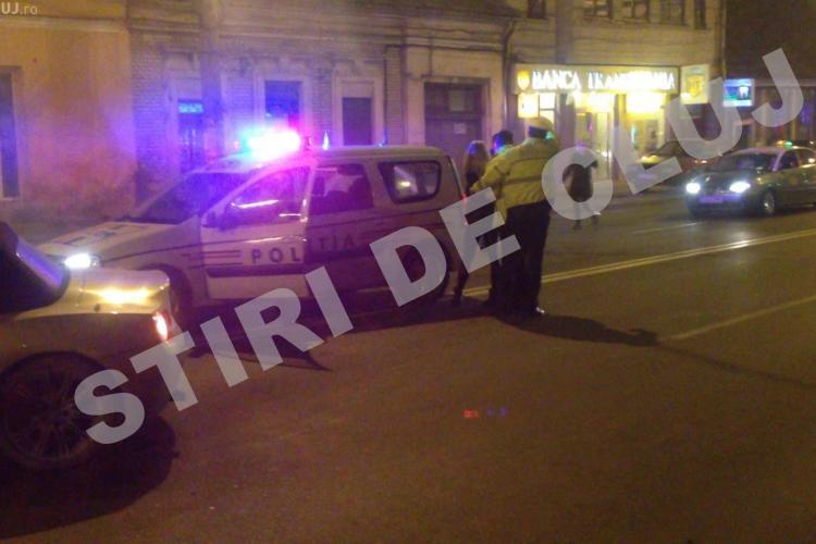 Accidentul de pe Moților, produs de o blondă beată cu BMW Z4. Polițiștii i-au pus cătușe, dar ea nu-și găsea CERCEII - VIDEO EXCLUSIV