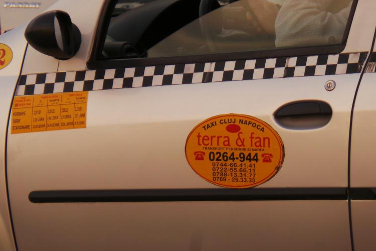 Terra Fan Taxi induce clientii in eroare. Care e șmecheria pentru a atrage clienții grăbiți?