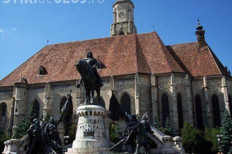 Noua Dreaptă cere o nouă statuie cu Avram Iancu, în fața celei cu Matei Corvin