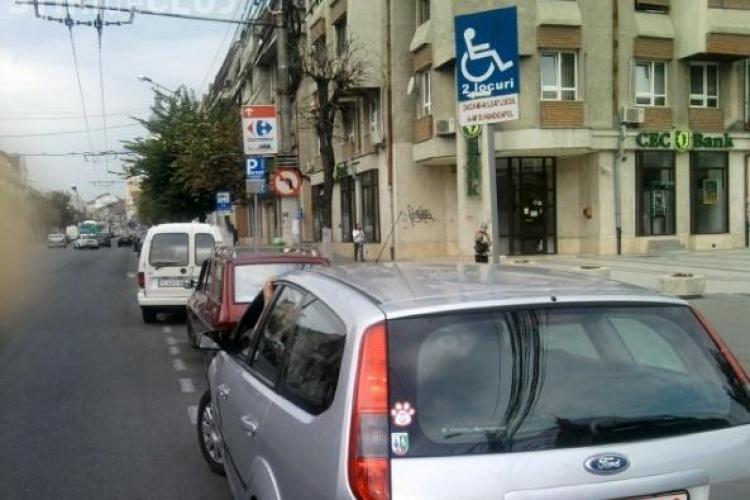 20 de clujeni amendați pentru că au parcat pe locurile persoanelor cu dizabilități