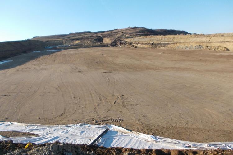 O firmă din Satu Mare va consolida terenul afectat de alunecări la Pata Rât - Centrul de Management al Deşeurilor