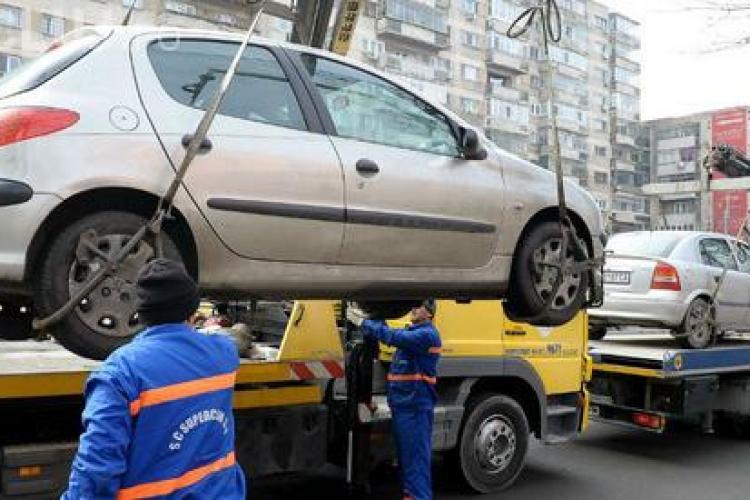 """Primăria Cluj-Napoca a făcut """"curățenia de primăvară"""" în trafic. Aproape 60 de mașini au fost ridicate"""