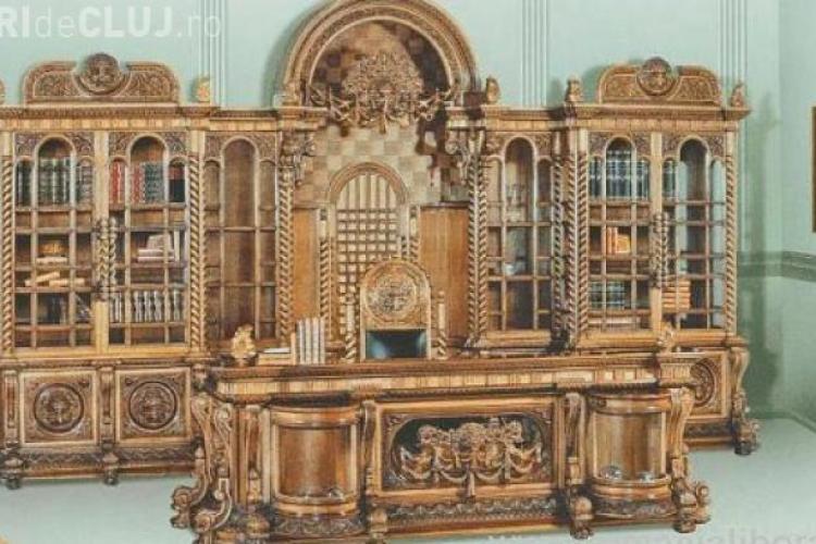 Biroul lui Ceauşescu este de vânzare. Elton John îl vrea