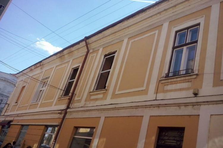 Se montează termopane pe clădirile istorice din centrul Clujului - FOTO
