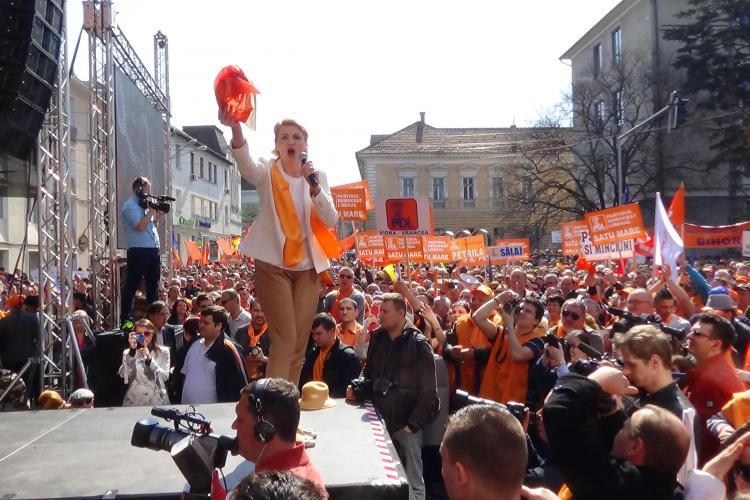 Miting PDL la CLUJ cu 25.000 de oameni: Ponta v-a făcut POTECI spre DNA, nu autostrăzi - VIDEO