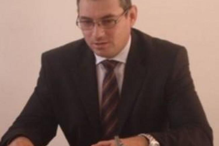Șeful OPC Cluj, Cristian Nicula, a primit 10 kg de carne de la Michelangelo pentru a rezolva o AMENDĂ