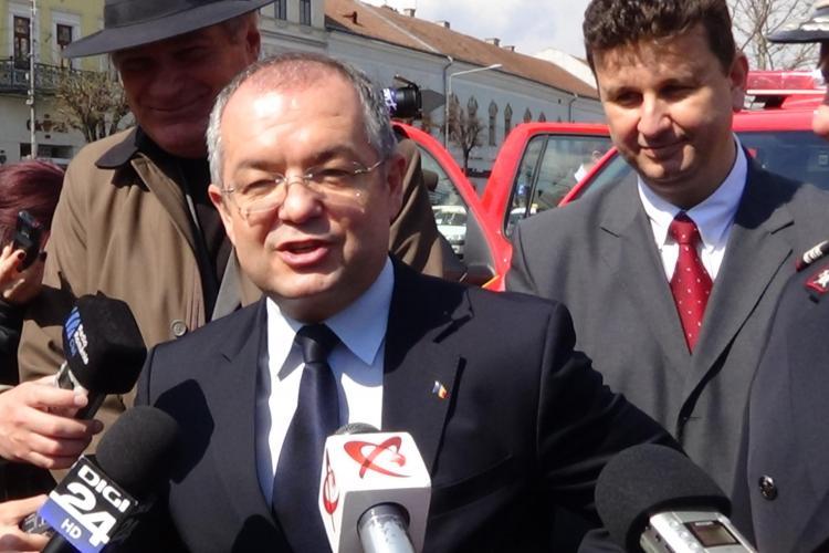 Emil Boc susține că acciza la motorină va lua din buzunar românilor 50 de lei pe lună