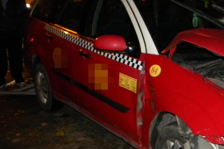 Accident pe strada Albac! Un taximetrist a lovit un o femeie pe trecere de pietoni