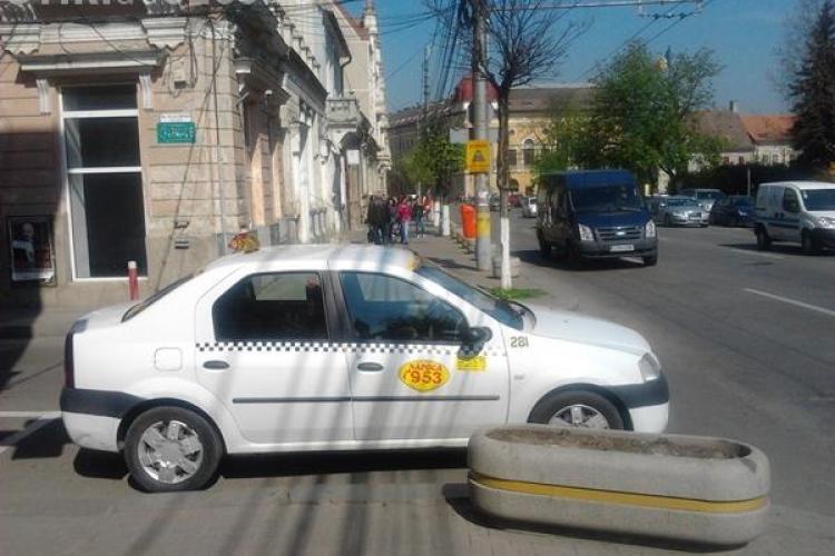 """Taximetristul din Cluj, care folosește un """"permis de parcare de la Armată"""", nu este angajat la MApN"""