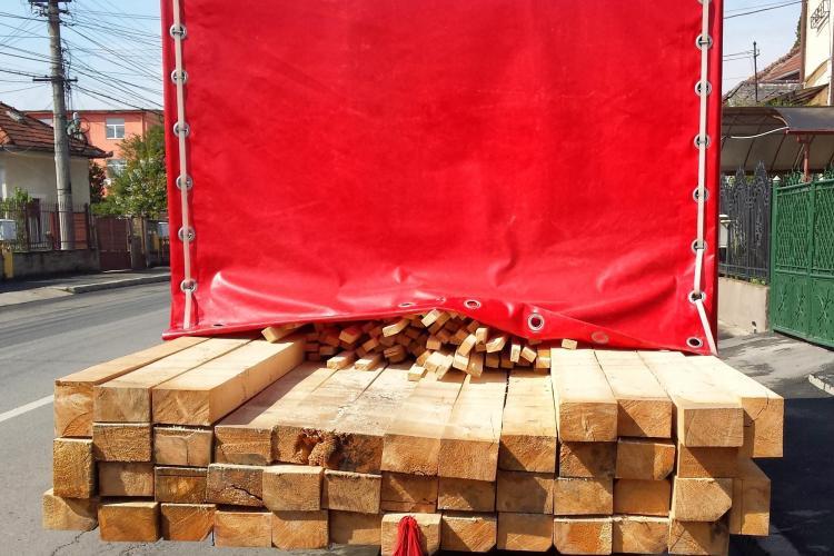 Defrișările ilegale continuă FĂRĂ JENĂ la Cluj. Polițiștii au confiscat lemne de aproape 20.000 lei FOTO