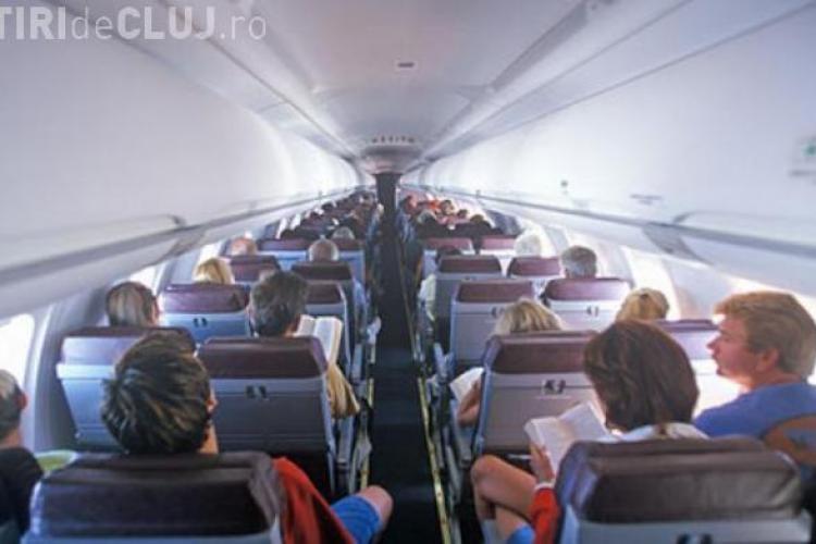 BILET haios uitat de o adolescentă în avion. Argumente pro și contra în alegerea iubiților - VIDEO