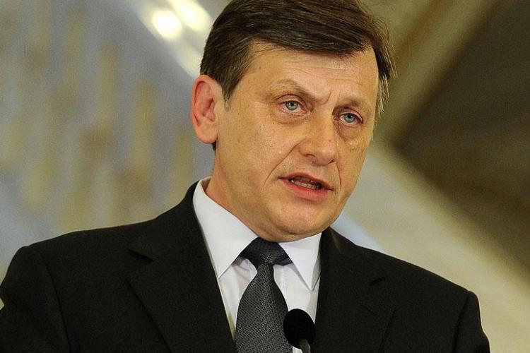 Crin Antonescu vine la Cluj, sâmbătă. Se lansează candidații PNL la europarlamentare