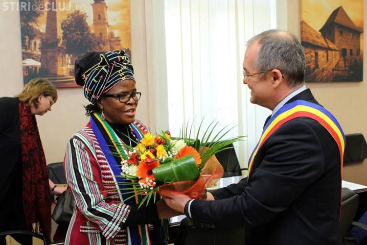Ambasadorul Africii de Sud în vizită la Emil Boc. Vezi despre ce au discutat FOTO