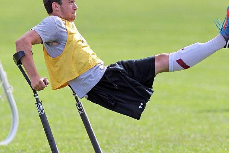 CLIPUL ZILEI: Povestea tânărului care a ajuns star de fotbal, deși are un singur picior VIDEO