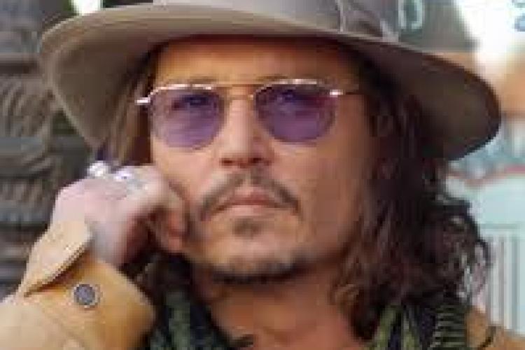 Johnny Depp s-a logodit. Vezi cât de frumoasă este noua sa logodnică