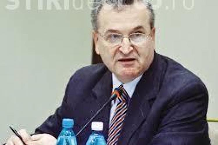 """Dezvăluiri despre Vasile Pușcaș și Securitate! Numele informatorului """"Păun"""" duce spre fostul negociator Vasile Puşcaş"""