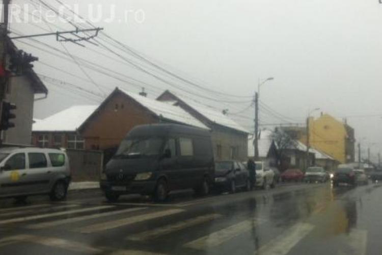 Accident în lanț pe Traian Vuia! Patru mașini au fost avariate din neglijență