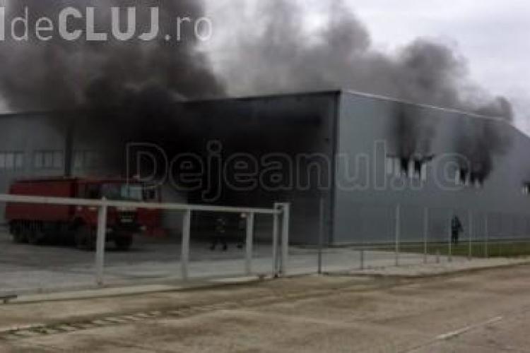 Incendiu la Fujikura - Dej. Au ars trei linii de producție - VIDEO