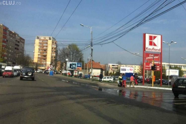 Accident în parcarea Kaufland de pe strada Fabricii, din Mărăști