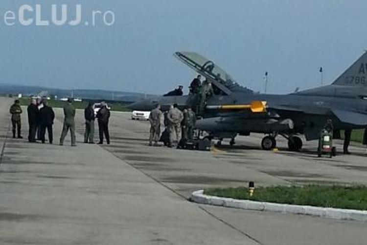 Premierul a zburat cu F-16 la Câmpia Turzii. A fost întrebat dacă a fost la un pas de leșin