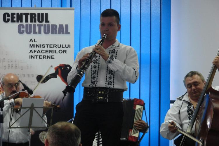 Un elev de la Școala de Poliție Cluj este un foarte bun taragotist.A luat locul 1 la un festival - FOTO
