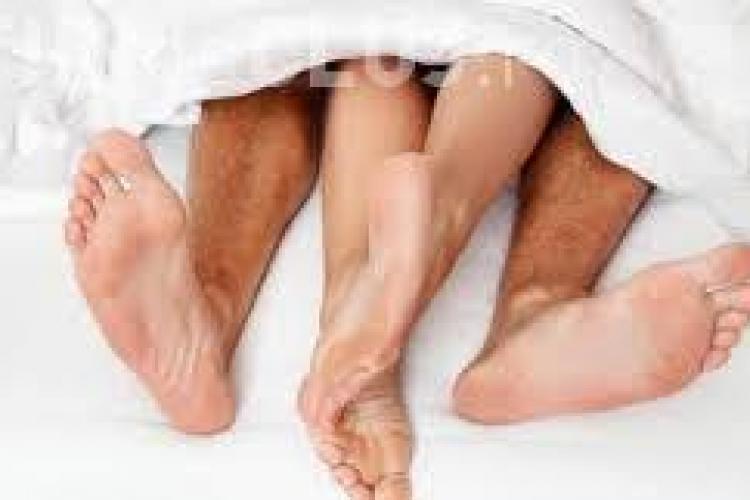 Karezza: Un nou tip de sex face furori printre cupluri