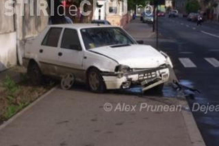 Cluj - A furat o mașină și a intrat cu ea în poarta unității militare din Dej. Acum a fost arestat