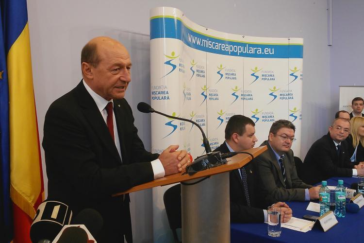 Băsescu: Îmi donez salariul Partidului Mişcarea Populară