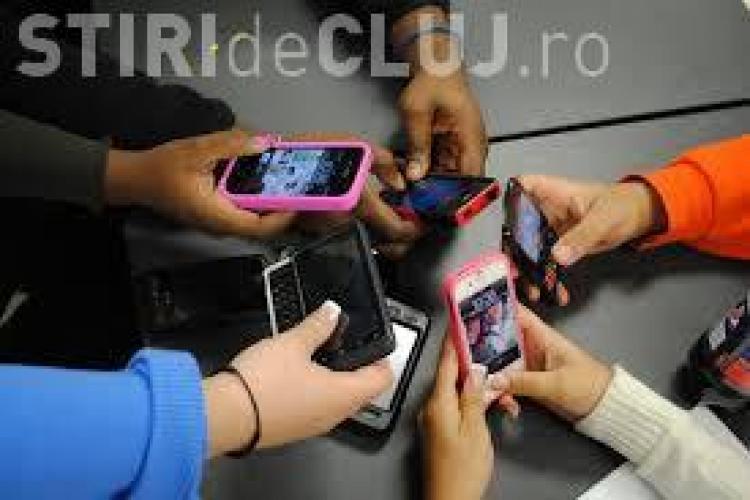 Studenții de la UBB fac o campanie socială împotriva utilizării telefonului în exces