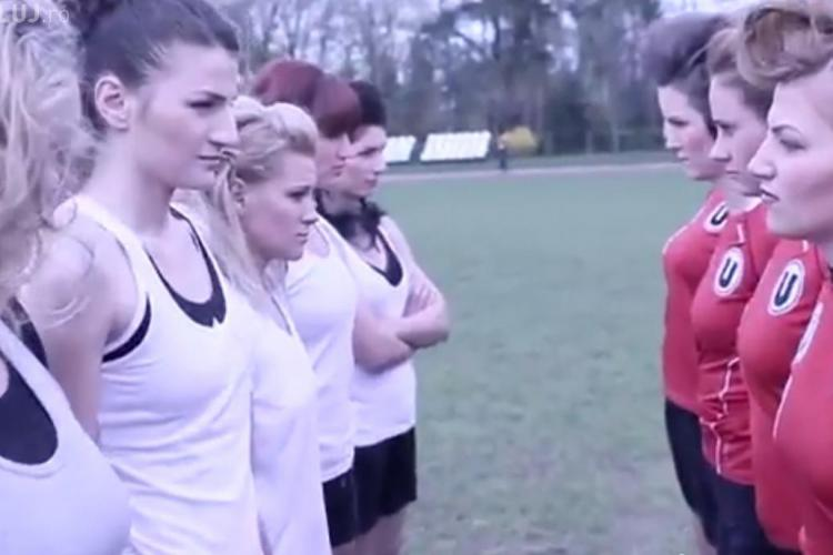 Clip sexy al rugbistelor de la U Cluj. Ce promovează fetele? - VIDEO