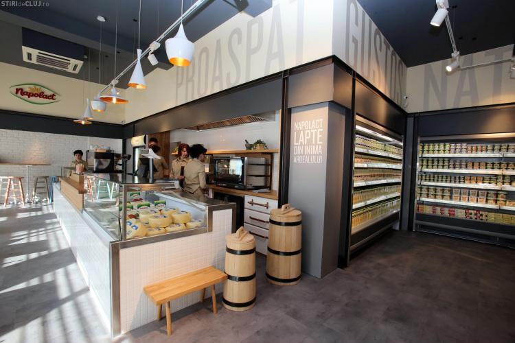 Magazinul Napolact din Piața Mihai Viteazul s-a redeschis. Conceptul este UNIC în țară - FOTO (P)