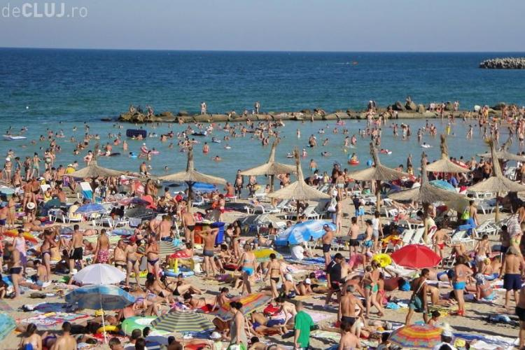 """Românii """"dau năvală"""" la mare de 1 Mai. Peste 50.000 de persoane sunt așteptate pe litoral"""