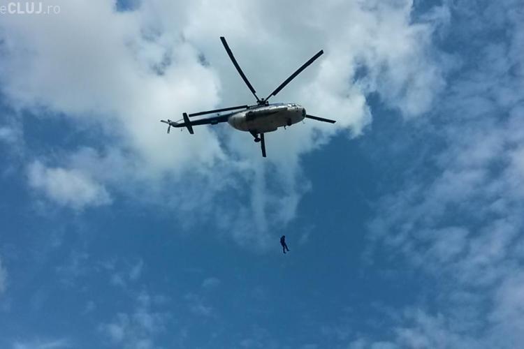 """""""Atac terorist"""" la Cluj de Ziua Jandarmeriei. Mascații au intervenit cu elicopterul într-un exercițiu impresionant FOTO"""