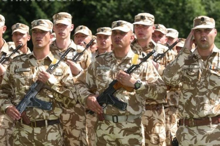 Tinerii români ar putea fi obligați să facă din nou armata. Ministerul Apărării se teme de război?