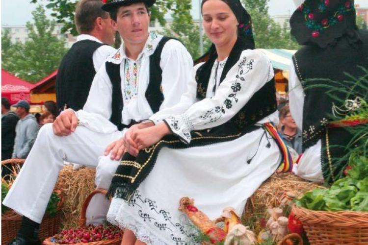 """Moţii sunt invitaţi la Huedin la târgul """"Produs de Cluj"""""""