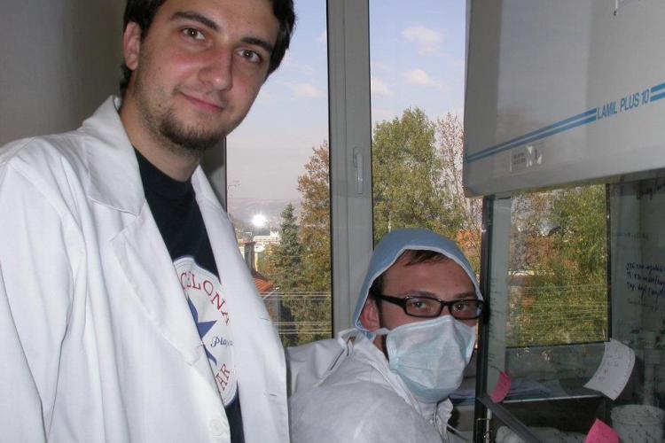 Un medic rezident clujean a descoperit o nouă metodă de diagnosticare a cancerului biliar