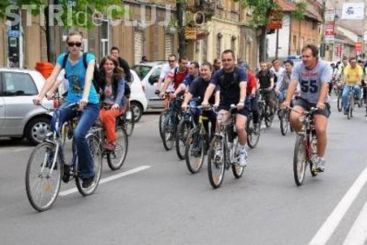 """Bicicliștii din Cluj organizează """"MARȘUL TĂCERII 2014"""""""