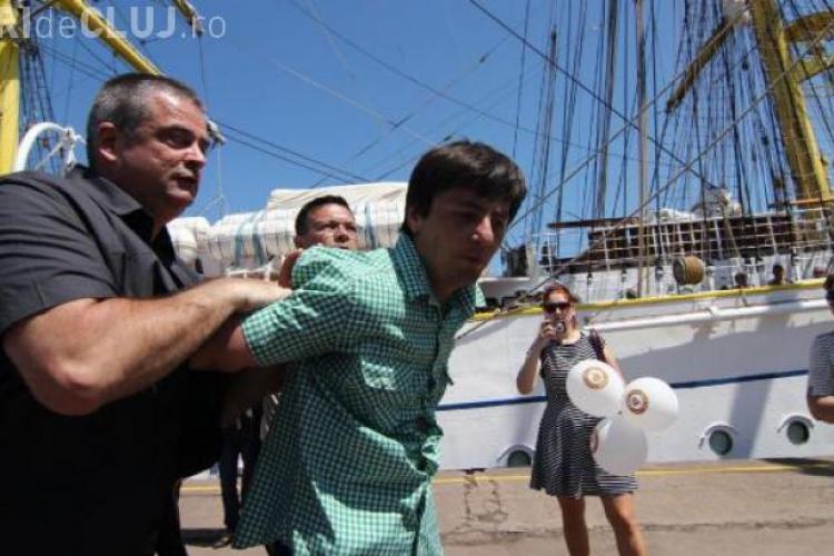 Bărbatul care l-a scuipat în față pe Băsescu își explică gestul