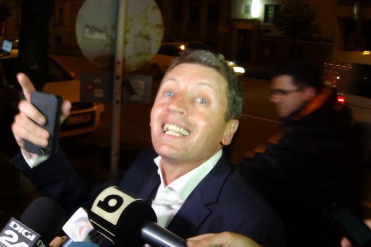 Petran recunoaște că a primit 10.000 de euro de la directorul UTI, dar telefonul de fițe GOLD și l-a luat singur