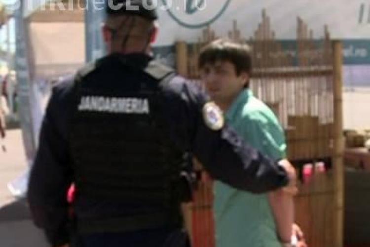 Bărbatul care l-a scuipat pe Băsescu, speriat de închisoare: Mai bine mă arunc în mare decât să ajung la pușcărie la homosexuali