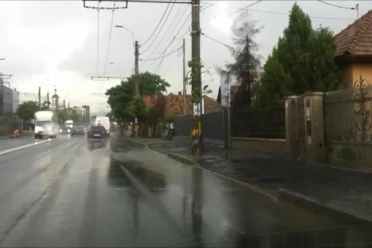 Strada Traian Vuia este o baltă uriașă când plouă. Proiectarea Kiat a dat greș? - VIDEO