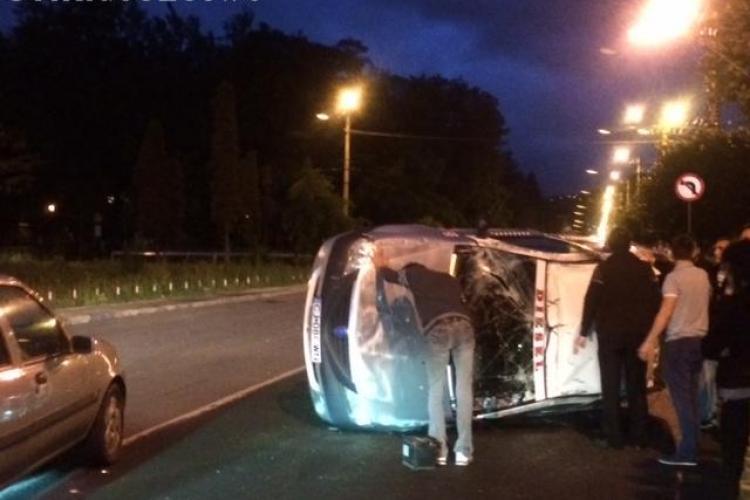 Accident în Piața 14 Iulie! Un taximetrist s-a rostogolit de 3 ori - FOTO