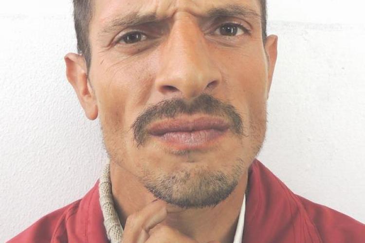 Bărbat necunoscut, cu tulburări psihice, găsit de polițiștii la Cluj - FOTO