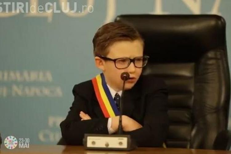 Emil Boc portretizat într-un copil în spotul de promovare al Zilelor Clujului VIDEO