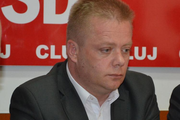 Răzvan Pop a încercat să MITUIASCĂ un angajat de TOP din Consiliul Județean Cluj