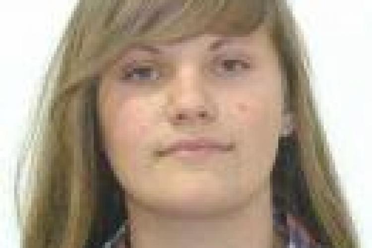 O elevă de 16 ani din Cluj-Napoca a dispărut de acasă! UPDATE